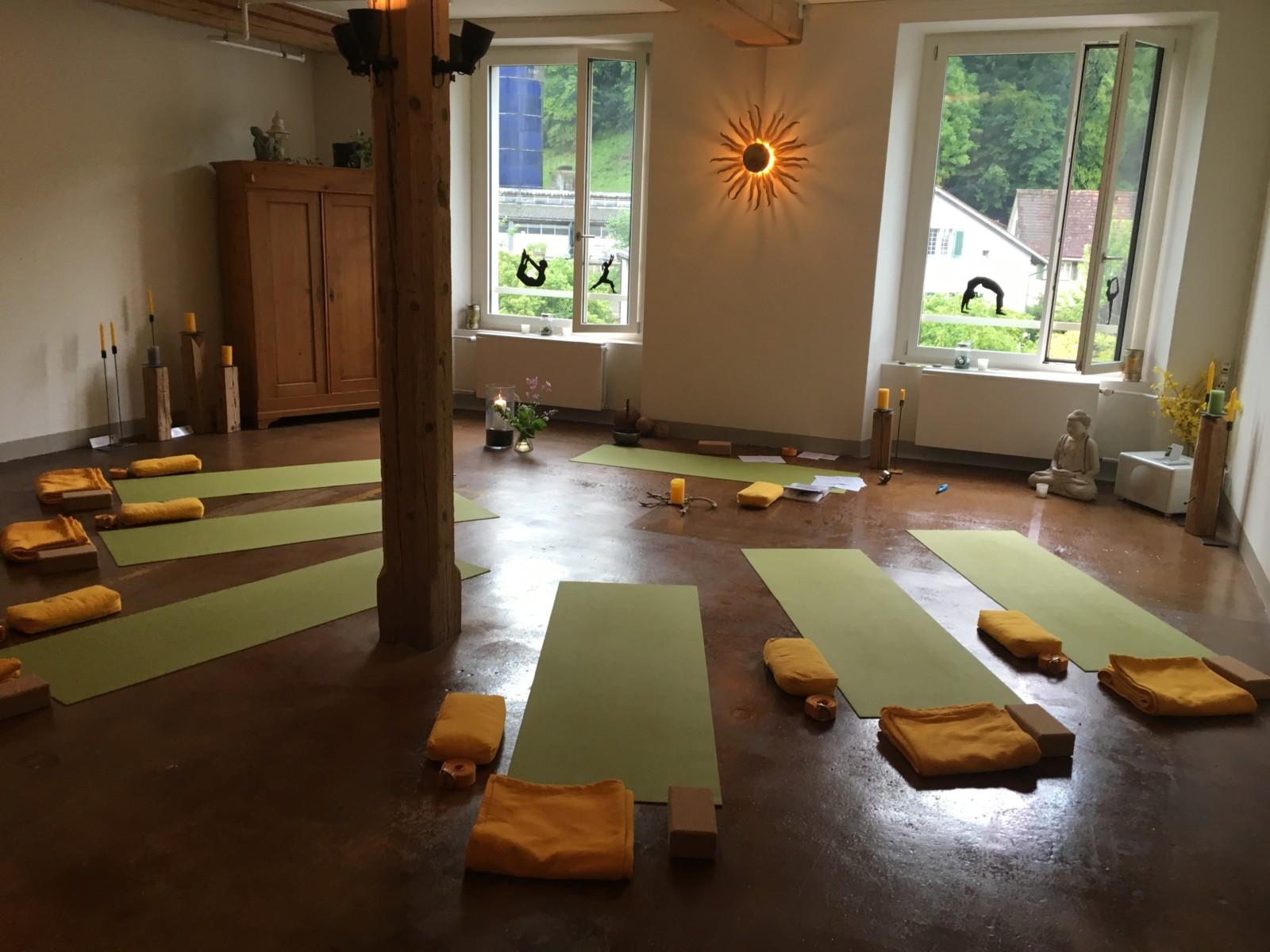 Varuna Yoga Raum Sandra Wipf